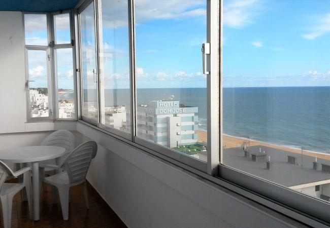 Apartamento em Quarteira - T1 T. Azul 10G MARAVILHOSA VISTA WI-FI 4 PESSOAS