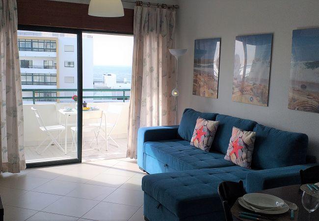 Apartamento em Quarteira - T1 Avenida Mar 8 200M PRAIA WI-FI 4 PESSOAS
