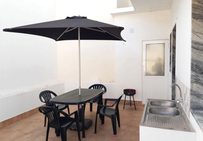 Apartamento em Quarteira - T2 Avenida 1º VISTA MAR 5* A/C WI-FI 6 PESSOAS