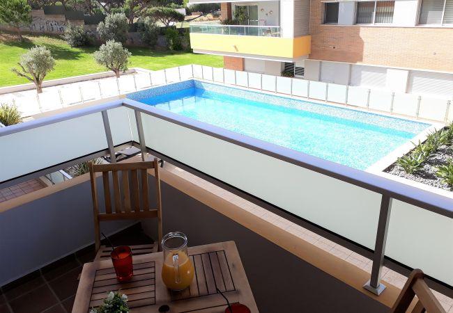 Apartamento em Quarteira - T1 VARANDAS FORTE Piscina Ar cond. Garagem
