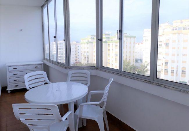 Apartamento em Quarteira - T1 Torre 20 6G MÁGICO 80M PRAIA WI-FI 4 PESSOAS