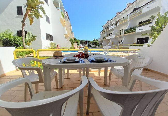 Apartment in Vilamoura - T1 Sol Nasc PISCINA  WI-FI 10MIN MARINA 4 PESSOAS