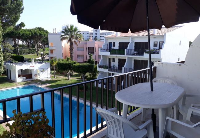 Apartment in Vilamoura - T2 Mouramar VARANDA VISTA PISCINA & GOLF 6 PESSOAS