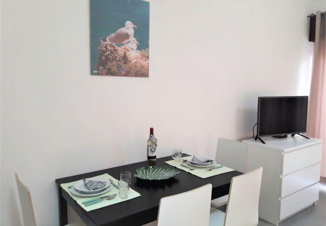 Studio in Quarteira - T0 Varandas  Mar R/c  Perto PRAIA WI-FI