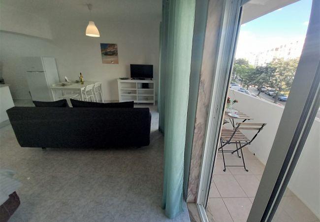 Studio in Quarteira - T0 Miratlantico 2C- 80mt Praia & WIFI
